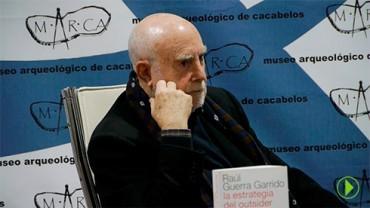 "Raúl Guerra Garrido presenta ""La estrategia del outsider o la vuelta al mundo de Naraya Sola"""