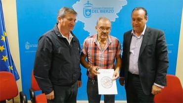El Consejo Comarcal y el Ayuntamiento de Carracedelo colaborarán en la VI edición de los Premios Palacio de Canedo