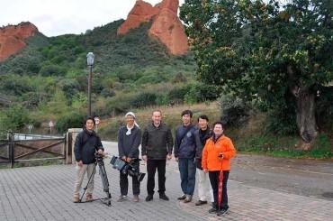 La televisión japonesa graba un documental en Las Médulas