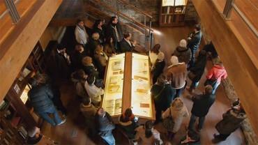 35 personas participan en el segundo ciclo de visitas guidas a Templum Libri con Antonio Ovalle