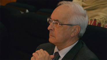 Antonio Díaz Carro dona 300 libros a la Biblioteca de Bembibre