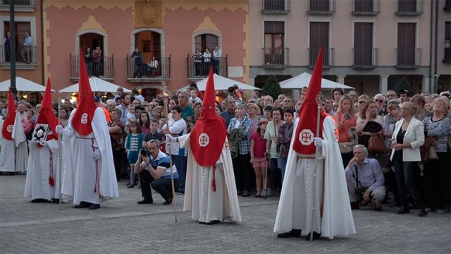 Diputación presenta el libro 'La Semana Santa desconocida de la provincia de León'