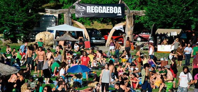 reggaeboa_w.jpg