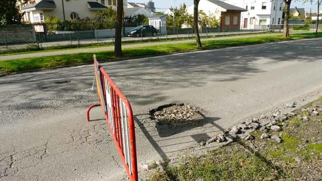 Los vecinos de Compostilla exigen el asfaltado urgente de la VI Avenida