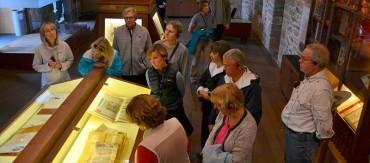 Expertos en arte y cultura de universidades norteamericanas vistan Templum Libri