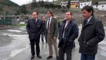 Primera visita institucional de Emilio Orejas para revisar las actuaciones de Diputación en el Bierzo