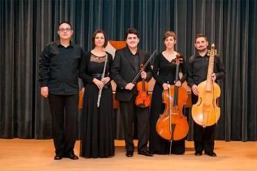 La formación Rococó Esemble ofrece un Concierto de Reyes en el Teatro Villafranquino