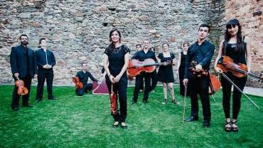 Camerata Clásica y el violonchelista Aracama Alonso ofrecen un concierto en el Bergidum