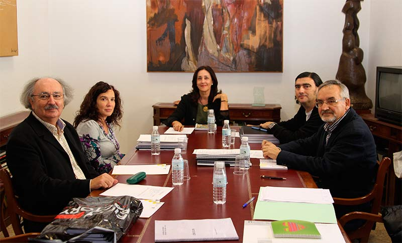 """Manuel Moya gana la XX Bienal de Poesía con """"A salvo"""""""