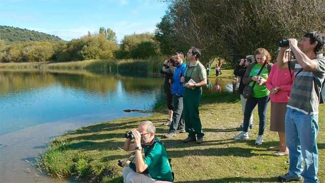 Ecologistas en Acción se opone a una ruta turística en el entorno del lago de Carucedo