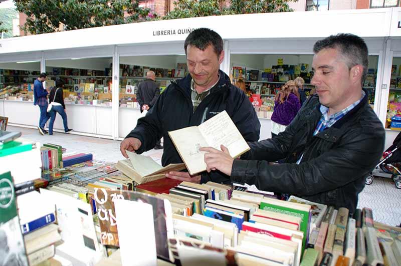 Empieza la Feria del Libro Antiguo y de Ocasión con el reto de enganchar a los jóvenes