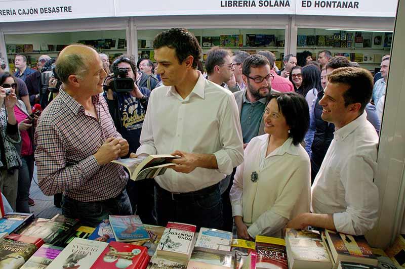 Pedro Sánchez se compromete a reducir el IVA cultural al 5%
