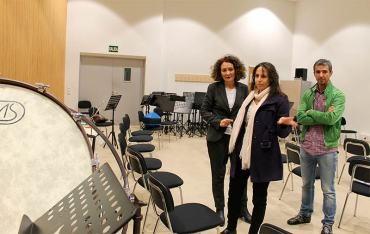 Gloria Merayo se compromete a revisar el convenio del Ayuntamiento con la Banda de Música