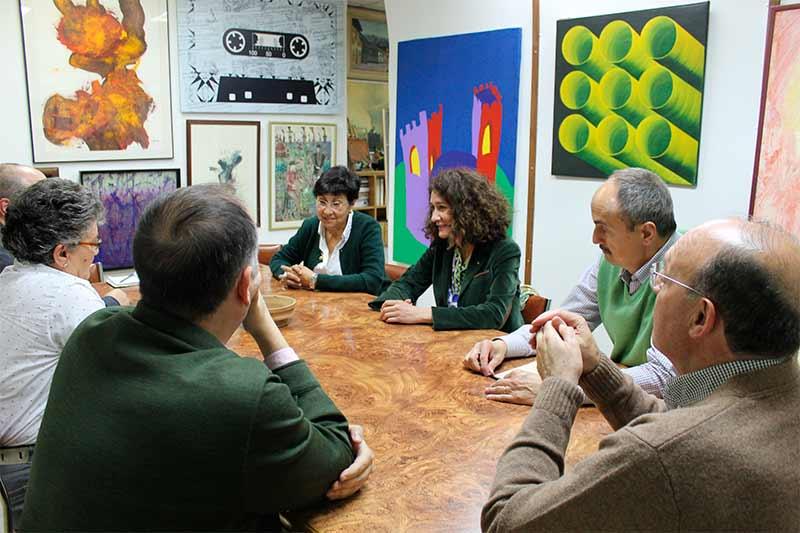 GLoria F. Merayo vista la sede del Instituto de Estudios Bercianos.