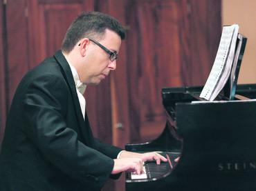 El pianista gallego Javier Vázquez Grela ofrece un concierto en el Conservatorio Cristóbal Halffter