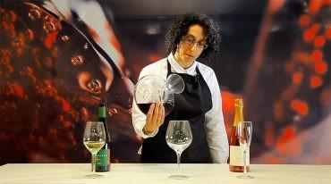 """""""La reina de la mesa"""", videotutoriales de CIVI sobre el montaje de la mesa, el descorche y el servicio del vino"""