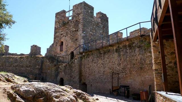 El Castillo de Cornatel acoge el I Encuentro de Rondas Bercianas