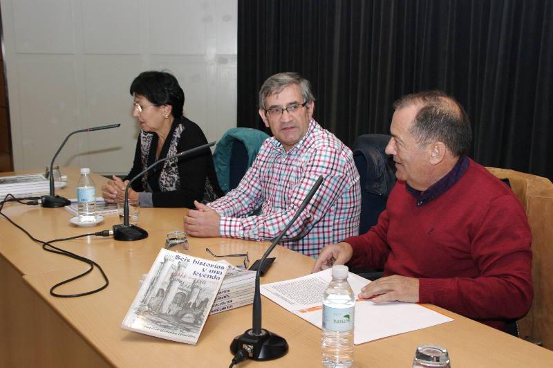 """Daniel Álvarez y el IEB presentan el libro """"Seis historias y una leyenda"""" de Paco González"""
