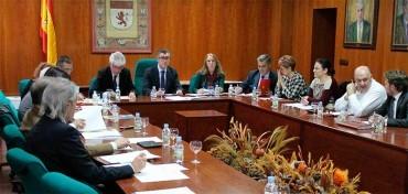 La ULE aprueba la cesión definitiva al Ayuntamiento del pabellón de deportes y la piscina cubierta del Campus