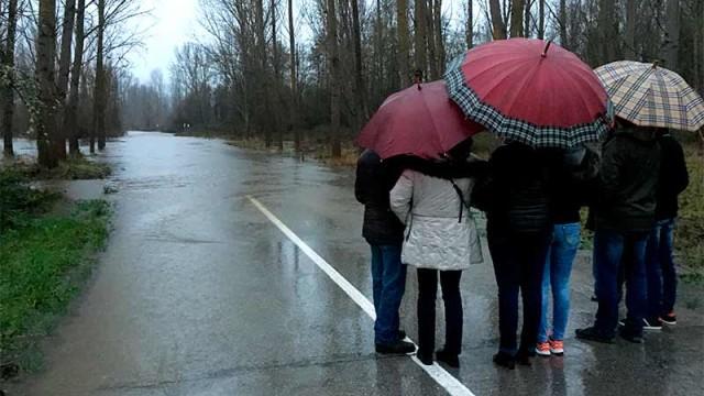 La mejora del desagüe del Sil en Toral no es la solución definitiva a la inundabilidad de la carretera