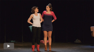 """""""Juanita Calamidad"""", el humor inteligente y espontáneo del trío femenino Chirigotas"""