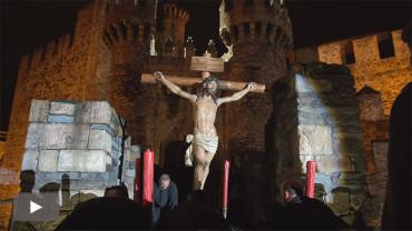 La USAC Santociles de Astorga porta al Cristo de la Esperanza hasta el Castillo para su entronización
