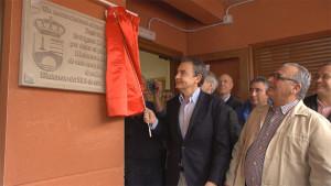 José Luis Rodríguez Zapatero inaugura la Casa del Pueblo de Matarrosa del Sil. Foto: Raúl C.