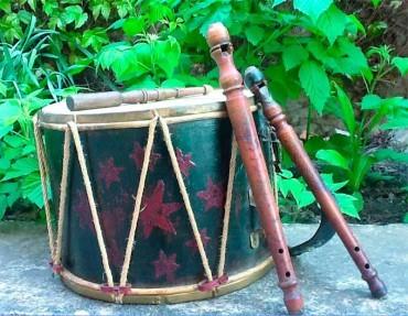 """El Instituto de Estudios Bercianos inaugura """"La chifla, el tambor y otros instrumentos de la tradición berciana"""""""