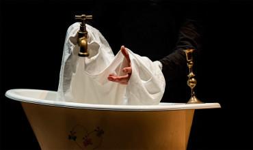 """Pelmanec presenta """"El avaro"""", una controvertida obra en la que los protagonistas son grifos y el oro es agua"""