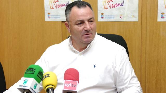 Eduardo Morán pide a Herrera su compromiso para que Tesla instale en el Bierzo una factoría de coches eléctricos