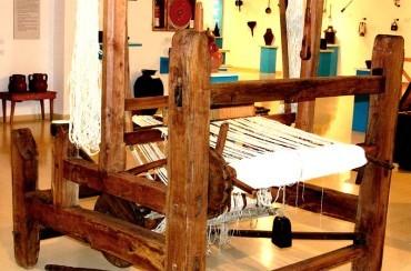 El Museo Alto Bierzo presenta un telar tradicional del siglo XIX