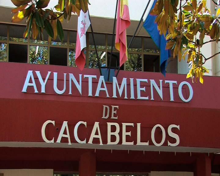 El PP de Cacabelos asegura que el cambio en el régimen de dedicaciones supondrá un aumento del 20% en el gasto municipal