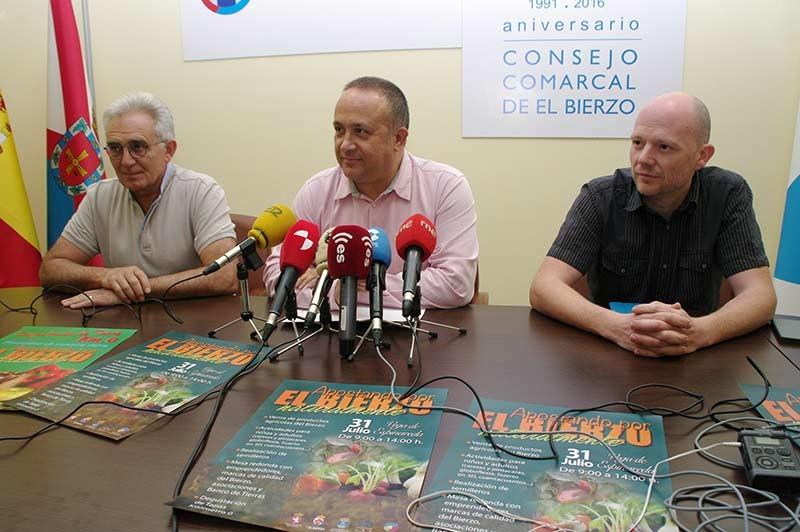 Vega de Espinareda acoge la I Feria Apostando por el Bierzo del Banco de Tierras
