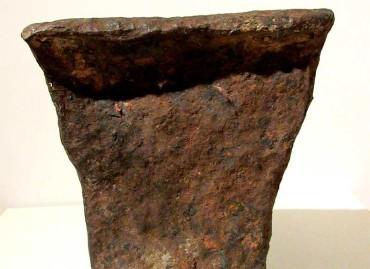 El Museo Alto Bierzo presenta un yunque romano del castro de Folgoso de la Ribera