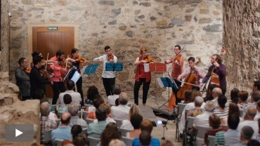 La Camerata Clásica y Joaquín Clemente cierran Corteza de Encina con Mozart y Piazolla