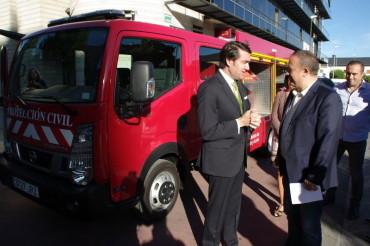 La Junta entrega un camión bombero a Protección Civil del Consejo Comarcal