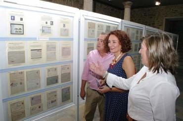 Los primeros sellos del mundo y de España se presentan en la exposición de coleccionismo del Museo del Bierzo