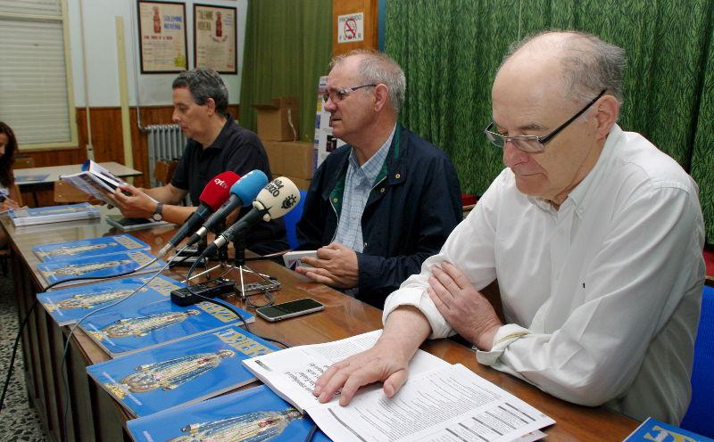 Presentación de la revista Bierzo con Antolín de Cela, Miguel José García y Vicente Fernández. Foto: Raúl C.