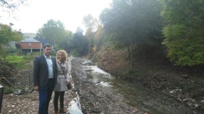 Medio Rural da por finalizada escollera en el río Oza a su paso por San Esteban