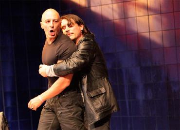 """Lluvia constante, un """"thriller"""" teatral con dos actores de una apabullante capacidad interpretativa"""