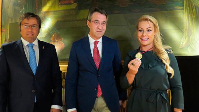 Diputación le entrega la Medalla de Oro al Mérito Deportivo de la Provincia a Lydia Valentín