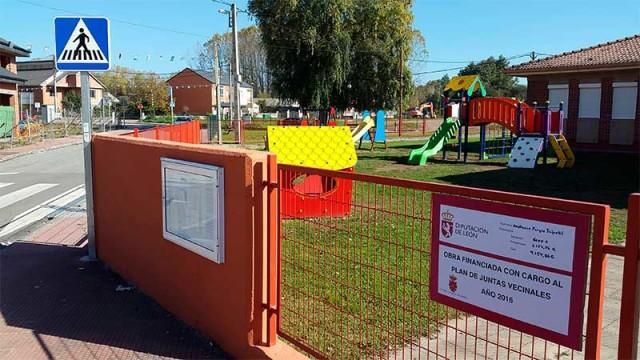 Finalizadas las obras del parque infantil de Villadepalos