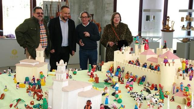 Mil niños de siete colegios participan en el belén infantil del Mercado Navideño de Artesanía de Autor
