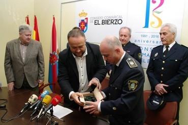 El Consejo Comarcal homenajea a la Policía Municipal