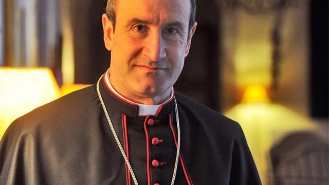 El obispo auxiliar de Santiago de Compostela, Jesús Fernández será el pregonero de la Semana Santa de Ponferrada