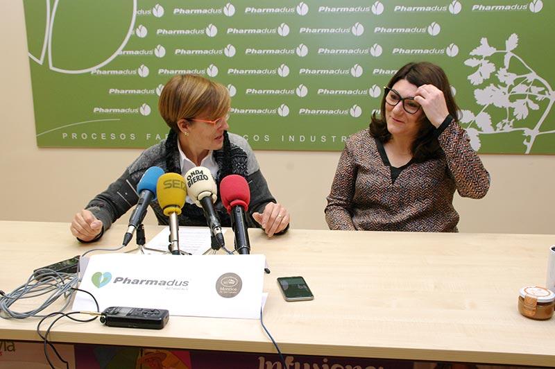 Beatriz Escudero y Ada Prada en la presentación de mermeladas maridadas con infusiones. Foto: Raúl C.