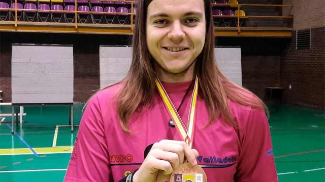 Alejandro González bronce en el Campeonato de Castilla y León Absoluto de Tiro con Arco en Sala