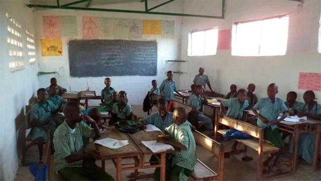Bierzo Solidario rehabilita un aula en Gambia con los fondos de la Marcha Solidaria 2016