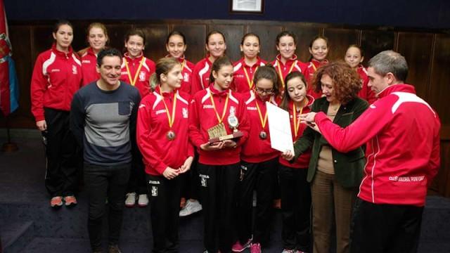 Las chicas del Club Voleibol Ponferrada dejan el listón muy alto