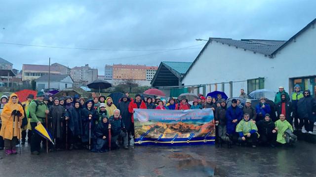 Fieles a la cita reivindicativa del Camino de Invierno, 100 bercianos completan la 8ª etapa del recorrido